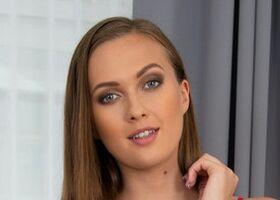 Stacy Cruz
