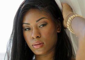 Nadia Jay